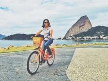 Aterro do Flamengo com Baía da Guanabara e Pão de Acúcar ao fundo.